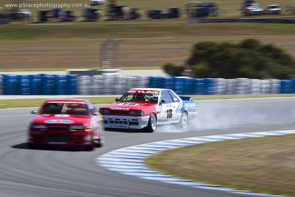 Phillip-Island-Classic-2014-Sunday-Carey-McMahon-1989-Group-A-HR31-Nissan-Skyline-Terry-Lawlor-R32-GT-R-Turn-6-entry-McMahon-lock-up-pan-5